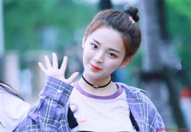 2019福布斯女星榜,周冬雨杨幂均上榜,21岁杨超越赢了38岁的谢娜